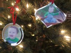 DIY Mirrored Photo Ornaments to capture those special moments on your Christmas tree