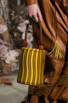 Ulla Johnson at New York Fashion Week Fall 2019 - Details Runway Photos Couture Handbags, Fall Handbags, Purses And Handbags, Bags Online Shopping, Online Bags, Ulla Johnson, Nicole Miller, Womens Tote Bags, Leather Fashion