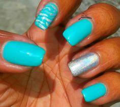 Karine's Vernis Club: Aquamarine Nails