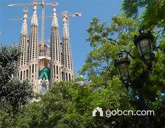 www.gobcn.com #Barcelona Eixample Dret Sagrada Familia http://www.gobcn.com/en/barcelona-areas/apartments-barcelona-eixample-dret
