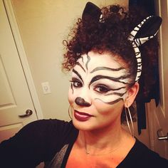 Lots of inspiration, diy & makeup tutorials and all accessories you need to create your own DIY Zebra Costume for Halloween. Diy Zebra Halloween Costume, Halloween Makeup, Halloween Halloween, Lion King Musical, Lion King Jr, Lion King Broadway, Zebra Makeup, Animal Makeup, Fairy Makeup