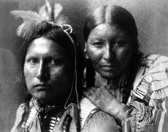 Platinum Portrait of American Horse and wife. Sioux Indians, by Gertrude Kasebier Native American Pictures, Native American Beauty, Native American Tribes, Native American History, Native Americans, Navajo, Wyoming, Native Indian, Before Us