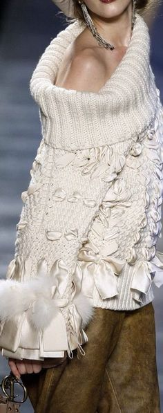 Christian Dior by John Galliano Fall 2002 Fashion show details