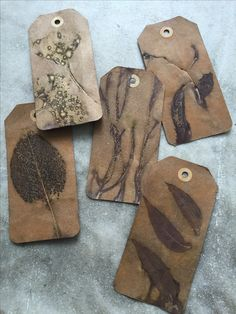 eco printed gift tags by Rebecca Yeomans Shibori Fabric, Fabric Art, Natural Dye Fabric, Natural Dyeing, Natural Wood Crafts, Tea Bag Art, Textile Fiber Art, Nature Crafts, How To Dye Fabric