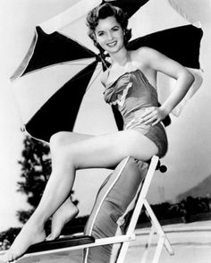 Debbie Reynolds is listed (or ranked) 24 on the list 48 Pictures of Celebs You Never Realized Were Once Hot Old Celebrities, Celebs, Celebrity Feet, Celebrity Photos, Celebrity Women, Debbie Reynolds, Actrices Hollywood, Carrie Fisher, Eddie Fisher