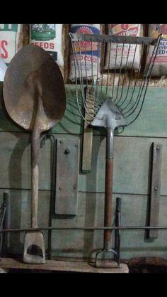 OLD WOOD HANDLE SHOVEL # 2 J  KING | Vintage Garden Tools