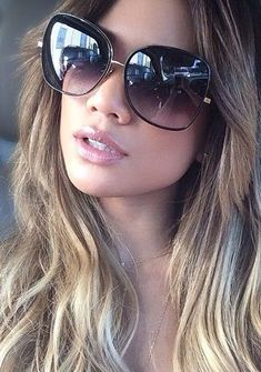 cute sunglasses 48 Trendy Summer Accessories Ideas With Sunglasses Flat Top Sunglasses, Cat Eye Sunglasses, Sunglasses Women, Summer Sunglasses, Luxury Sunglasses, Vintage Sunglasses, Cute Glasses, Girls With Glasses, Glasses Frames