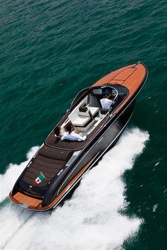 External view Riva Yacht - Iseo  #yacht #luxury #ferretti #riva