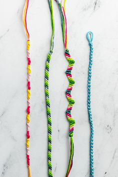 Diamond Friendship Bracelet, String Friendship Bracelets, Diy Friendship Bracelets Patterns, Diy Bracelets Easy, Bracelet Crafts, Cute Bracelets, Diy Friendship Bracelets For Beginners, String Bracelets, Thread Bracelets