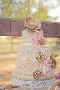 rice crispie cake | rustic chic wedding ideas | dessert table ideas | #weddingchicks