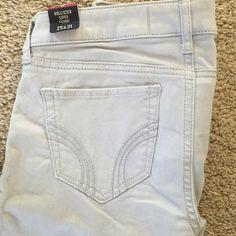 Hollister super skinny jeans Light grey super skinny jeans size 1. Brand new. Hollister Pants Skinny