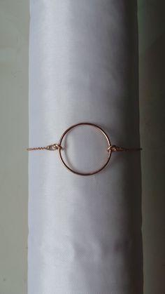 bracelet chaîne fine et anneau en plaqué or rose pour femme par MGNDcrea sur Etsy https://www.etsy.com/fr/listing/587512730/bracelet-chaine-fine-et-anneau-en-plaque