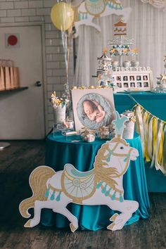 Elegant horses and shimmering golds, this Merry Go Round + Carousel Birthday Party at Kara's Party Ideas is about to unfold! Horse Baby Showers, Baby Shower Niño, Boy Baby Shower Themes, Carousel Birthday Parties, Carnival Birthday, Boy Birthday Parties, Kids Party Themes, Party Ideas, Carousel Cake