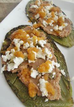 Nopales a la parrilla con frijoles y queso - www.pizcadesabor.com