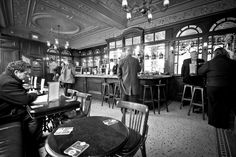 The Crown and Sugarloaf interior.  A beautifully polite watering hole, and gorgeous to boot.