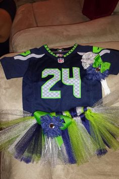 My sister made this! Love it! Seahawks baby gear❤️ #seattleseahawks #24