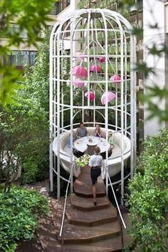 Garden table at Camélia at Mandarin Oriental, Paris. © Mandarin Oriental - See… Mandarin Oriental, Hotel Paris, Paris Hotels, Paris Paris, London Restaurants, Deco Restaurant, Restaurant Design, Restaurant Plan, Outdoor Restaurant