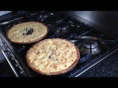 Vlaai - YouTube Sweet Bakery, Griddle Pan, Puddings, Mashed Potatoes, Om, Baking, Kitchen Stuff, Cake, Ethnic Recipes