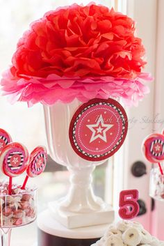 Centerpiece at a American Girl Party #Americangirl #partycenterpiece