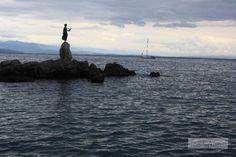 """Obwohl Opatija nicht alt ist, blickt das opulente Seebad bereits auf eine bewegte Geschichte zurück. Es ist Teil 5 unser Istrien-Serie """"7 Dinge, die wir in der Nachsaison unternommen haben"""". Eine gute Stunde lang fährt man von Poreç aus nach Opatija, das an der östlichen Küste Istriens an der Kvarner-Bucht liegt. Zumindest für jene, denen … … Weiterlesen →"""