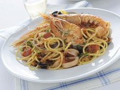 spaghetti allo scoglio Sale&Pepe ricetta Spaghetti, Seafood, Fish, Ethnic Recipes, Biscotti, Trends, Terra, Marketing, Cooking