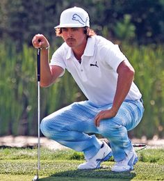 Rickie Fowler with his signature Puma outfit from head to toe Puma Outfit, Golf Outfit, Mens Golf Fashion, Rickie Fowler, Rory Mcilroy, Sharp Dressed Man, Dress For Success, Head To Toe, Oakley