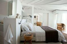 Une chambre chaleureuse et reposante - Blanc dominant pour une maison à vivre - CôtéMaison.fr
