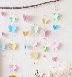 Adorable butterfly mobile from paper // Pillangós (lepkés) függő papírból // Mindy - craft tutorial collection