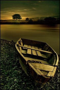 It used to have better days - a gloomy photo for a gloomy end to this boat.