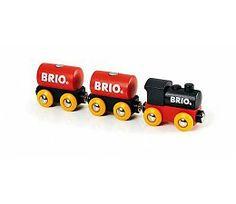Brio treinen 33571 Klassieke treinset  De klassieke houten trein van Brio. Deze treinset bestaat uit 5 onderdelen. De locomotief en wagonnen zijn door een magnetische koppelingen aan elkaar gesloten.  Deze trein is een leuke uitbreiding op een Brio treinbaan voor beginners.  http://www.brio-trein.nl/brio-treinen-33571-klassieke-treinset.html