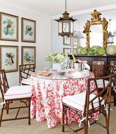Το στυλ μποέμ δεν αφορά αποκλειστικά τα ρούχα και τα αξεσουάρ που φοράμε. Εφαρμόζεται τέλεια και στα σπίτια μας και ειδικά στα δωμάτια όπου περνάμε τον περισσότερο χρόνο: από το σαλόνι ως την κουζίνα περνώντας από το μπάνιο μας.