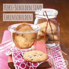 Chocolate-Cream-Cookies: Cookies mit Schokoladentröpfchen // #WortzumMittwoch - Sprüche zum Thema Backen, Kochen und Desserts: Keks-Schulden sind Ehrenschulden