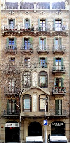 Casa Ramon Viñolas  1904  Architect: Ramon Viñolas i Llosas