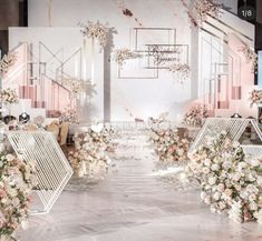 Wedding Backdrop Design, Wedding Stage Design, Wedding Design Inspiration, Wedding Designs, Flowery Wedding Dress, Floral Wedding, Wedding Flowers, Minimal Wedding, Luxe Wedding