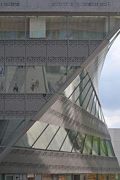 Dutch Architecture - Photo by Bjorn Utpott | #Photography #Architecture #UrbanLandscape |