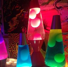 Far out threads for groovy babes. Room Ideas Bedroom, Bedroom Lamps, Dream Bedroom, 70s Decor, Home Decor, Neon Room, 70s Glam, Neon Nights, Aesthetic Room Decor