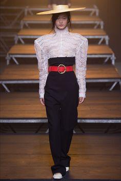 Jacquemus at Paris Fashion Week SS 2017
