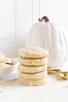 PUMPKIN HAND PIES are the perfect way to celebrate the fall season! These hand pies have a flaky crust and a sweet savory pumpkin pie filling. These mini pumpkin pies are the perfect fall desserts. Enjoy Grandma's easy vintage recipe for pumpkin pasties with a homemade pie crust! #pumpkinpies #pumpkinhandpies #pumpkin #pies #handpies #pumpkinpasties #pasties #fallrecipes #thanksgivingrecipes #falldessertideas #vanillaglaze #pumpkinrecipes #minipumpkinpies #pumpkinpiefilling #piecrust