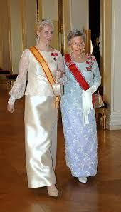 Kronprinsesse Mette Marit og prinsesse Astrid, Spansk besøk 2006 Diamond Daisy tiara for MM and Queen Alexandras (Maud's) turquoise tiara for Astrid,