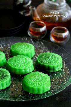 No more raw or hardened snowskin mooncakes. Make these soft, fully cooked, not your usual Pandan Snowskin Mooncakes. Also a rehash if you have leftovers.