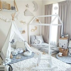 Sharing information and ideas for floor bed ideas for toddlers! There's so much floor bed information out there-here's an easy overview to help you make the best decision for your kids! Baby Bedroom, Nursery Room, Kids Bedroom, Nursery Ideas, Bedroom Ideas, Bed Ideas, Decor Ideas, Nursery Decor, Playroom Ideas