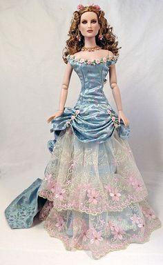 Dalila's Victorian Gown