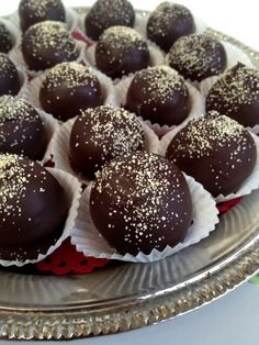 *Rook No. 17: recipes, crafts & whimsies for spreading joy*: Melt-In-Your-Mouth Dark Chocolate Honey Truffles {recipe}