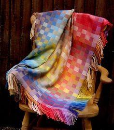 block twill: 3/1 vs. 1/3 Loom Weaving, Tapestry Weaving, Hand Weaving, Handmade Baby Blankets, Weaving Projects, Textile Fabrics, Weaving Patterns, Yarn Crafts, Vintage Sewing Patterns