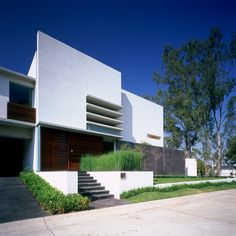 E house by Agraz Arquitectos