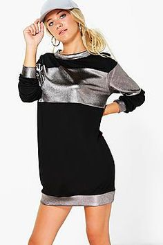 ¡Cómpralo ya!. Monica Metallic Stripe Sweat Dress. Para esta nueva temporada, atrévete a combinar las prendas de abrigo con vestidos de día sencillosTu armario para las horas de ocio no estará completo sin un vestido de día informal. Los vestidos bodycon básicos nunca fallan, mientras que los vestidos estilo camisola combinan a la perfección con un top de cuello polo, que aporta un toque informal a tu estilo. Durante el día puedes suavizar los brillos de un vestido combinación con l...
