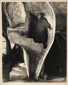 Hans Poelzig: Golem, wie er in die Welt kam Classic Horror Movies, Horror Films, Classic Films, Silent Horror, Silent Film, Mass Culture, Pop Culture, Schauspielhaus Berlin, Hans Poelzig