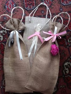 Easter Candle, Country Charm, Easter Ideas, Gift Bags, Happy Easter, Diy And Crafts, Charms, Wraps, Reusable Tote Bags