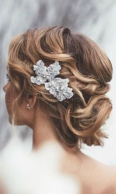 45 Short Wedding Hairstyle Ideas So Good You'd Want To Cut Hair - Hair Styles Wedding Hairstyles For Long Hair, Wedding Hair And Makeup, Wedding Hair Accessories, Up Hairstyles, Hairstyle Ideas, Hair Ideas, Bridal Hairstyles, Short Wedding Hair Updo, Bridesmaids Hairstyles