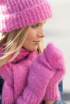 FOTO: Wenche Hoel-Knai Mitten Gloves, Mittens, Drops Design, Knitted Hats, Winter Hats, Wool, Knitting, Fashion, Gloves